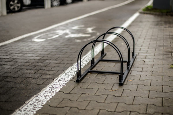 Stojak na rowery Viking zdjęcie przy ścieżce rowerowej malaarchitektura.info.pl